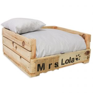 cama para perro madera